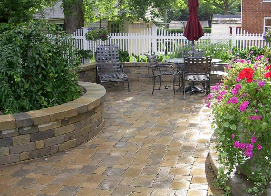 brick pavers patio mi — Landscaping Services, MI on Brick Paver Patio Designs id=20631